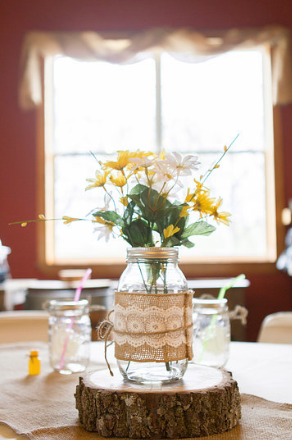 flower-centerpiece-faulkners-ranch-kansas-city-wedding-DIY-bride