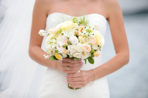 wedding-flowers-DIY-faulkners-ranch-kansas-city-bride