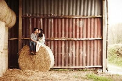 bride-barn-wedding-faulkners-ranch-KC-bride-DIY-engagement-photo
